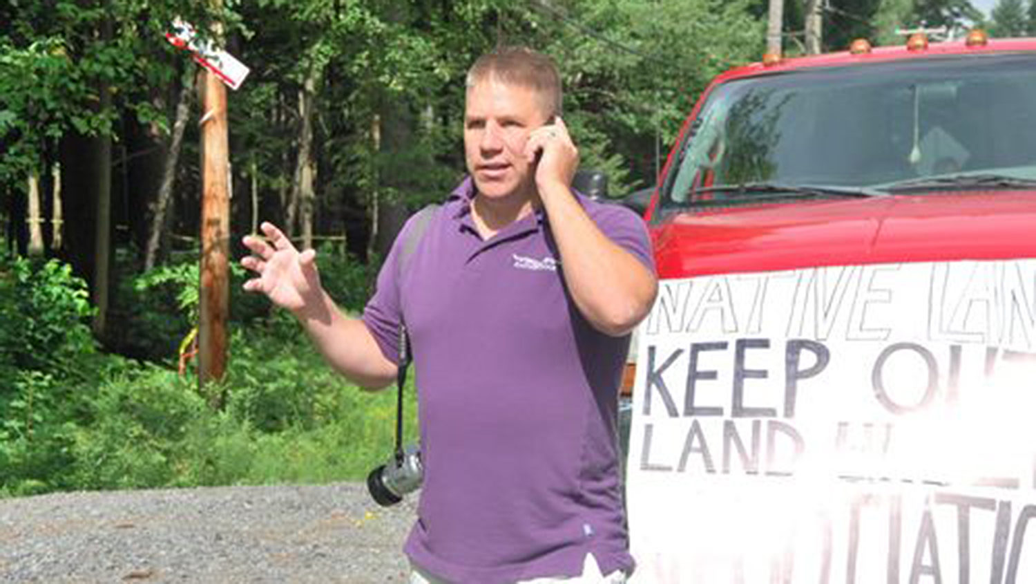 Steve is on scene covering a land dispute (I'm talking to K103 Radio in Kahnawake) in Kanesatake which, thanks to the people, saw a non-Native developer kicked out of the Pines without violence, stopping further construction and desecration in a very sacred area of his hometown.